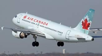 نجاة 118 راكبا بعد انحراف طائرة كندية عن مدرج الهبوط