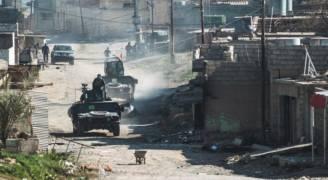 القوات العراقية تتقدم غربي الموصل.. وتحرر مدنيين