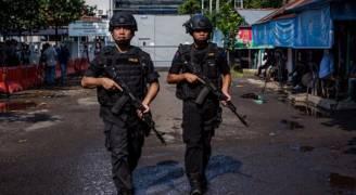 شاهد بالفيديو: اعتقال مسلح بعد تفجيره قنبلة في إندونيسيا