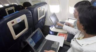 بريطانيا تحذو حذو أمريكا وتحظر الإلكترونيات على متن طائراتها