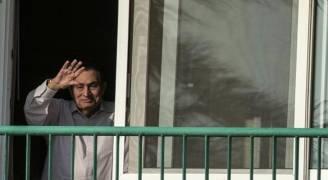مصر.. إعادة التحقيق مع مبارك في قضية فساد