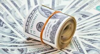 الدولار يستقر بعد أسوأ موجة خسائر أمام الين منذ 2010