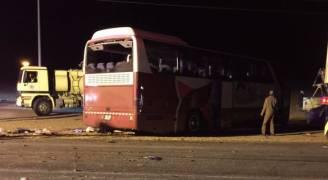 بالفيديو والصور .. 4 وفيات و 31 إصابة بانقلاب حافلة معتمرين أردنية