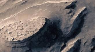 شاهد بالفيديو .. كوكب المريخ عن قرب
