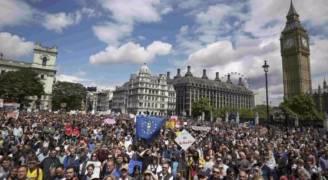 عشرات آلاف المتظاهرين في لندن ضد الخروج من الاتحاد الاوروبي