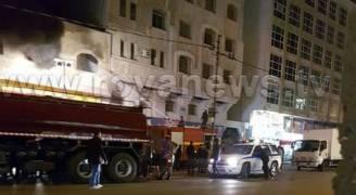 بالصور..حريق في محل تجاري بشارع المدينة المنورة في عمان