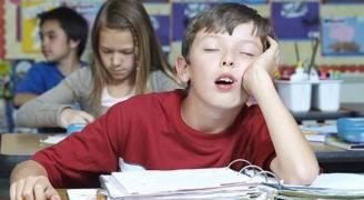 خبراء ينصحون بتأخير بداية اليوم الدراسي