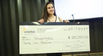 فلسطينية تفوز بجائزة أفضل مشروع ريادي في كندا