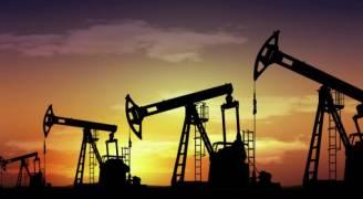 النفط يسجل أكبر خسارة أسبوعية بشهر
