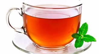أيهما أفضل: تحضير الشاي في الغلاية أم الميكروويف