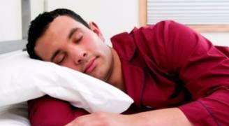 ماذا يحدث بجسمك خلال النوم؟.. أبرزه عمليات قتل السرطان
