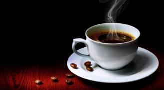هل تناول ٤ فناجين قهوة يوميا يضر بالصحة؟