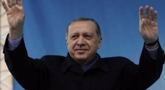 حملة تطهير واسعة في تركيا بعد فوز اردوغان في الاستفتاء