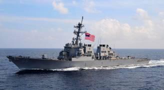 طلقات تحذيرية من سفينة اميركية على مركب عسكري ايراني في الخليج