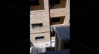 بالفيديو.. سقوط مروع لطفل من بناية في عمان