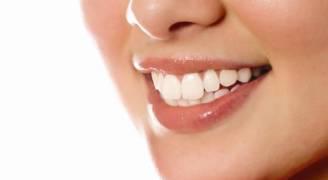 ١٠ معلومات خاطئة نعتقد أنها جيدة للأسنان!