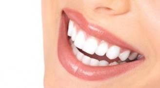 ١٠ معلومات خاطئة حول صحة الأسنان