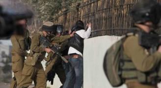 الاحتلال يعتقل شابا وسط القدس