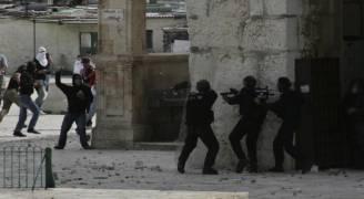 إصابات في مواجهات عنيفة مع الاحتلال بالقدس