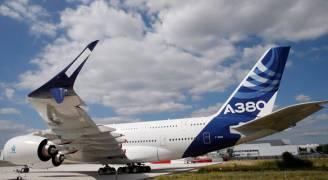 إيرباص تكشف عن تحسين في طائرتها إيه٣٨٠ بمعرض باريس
