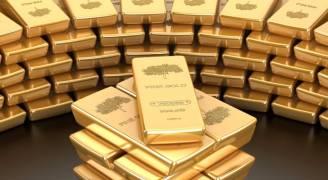 الذهب يقترب من أقل سعر في ٤ أسابيع مع ارتفاع الدولار