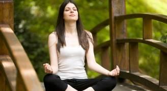 اليوجا علاج مفيد لألم الظهر مثل العلاج الطبيعي