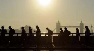 بريطانيا.. معدل البطالة في ادنى مستوياته منذ عام ١٩٧٥