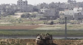 الاحتلال يستهدف منازل وأراضي الفلسطينيين شرق خان يونس