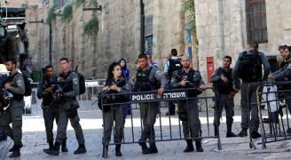 الفلسطينيون يرفضون لليوم الثالث دخول الأقصى