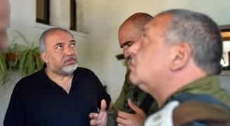 ليبرمان يطالب عباس بإدانة عملية حلميش