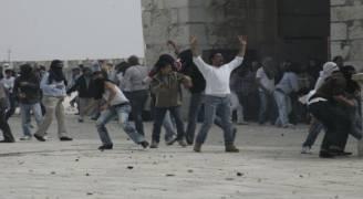إصابة ١٤١ فلسطينيًا في مواجهات مع الاحتلال بالقدس والضفة