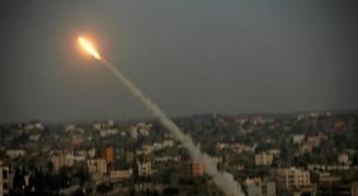 الاحتلال يزعم إطلاق صاروخين من قطاع غزة