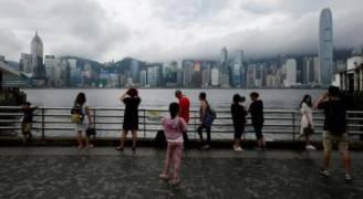 هونج كونج ترفع حالة التأهب مع اقتراب الإعصار روك