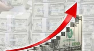 الدولار يرتفع إلى أعلى مستوياته في نحو ٣ أسابيع