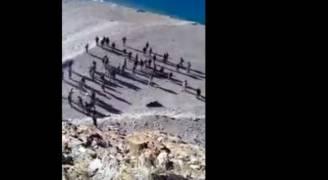 بالفيديو..اشتباك بالأيدي بين الجيشين الهندي والصيني