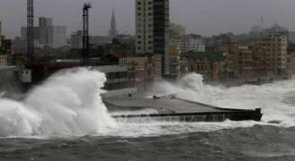 شاهد: نقل حي ومُباشر للإعصار إرما من ميامي بولاية فلوريدا الأمريكية