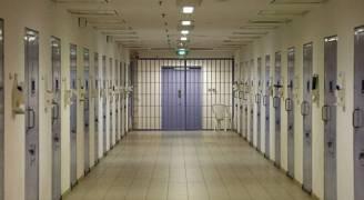 سجن هولندي ١٤ عاما بعد ما 'افترى' على اللاجئين