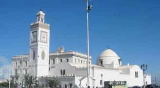 الجزائر تضع ضوابط للأذان لأول مرة