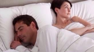 النوم أقل من ٧ ساعات يسبّب الخلافات الزوجية
