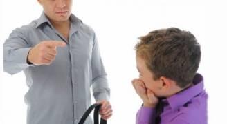 بعد قتل رجل ولده صعقًا بالكهرباء .. الإفتاء تحرم على الوالد الإضرار بابنه لتأديبه