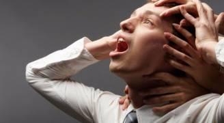 اخصائية علم نفس: كبت المشاعر يعادل الإدمان.. فيديو