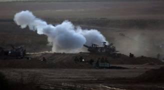 الاحتلال يقصف بالقذائف موقعا وسط قطاع غزة