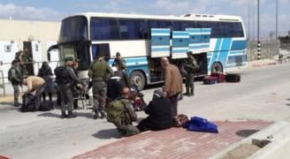الاحتلال يمنع سفر ١٧ فلسطينيًا من معبر الكرامة
