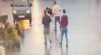 بالفيديو .. زبون يقتل حلاقا بسبب تسريحة في موسكو
