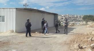 الاحتلال يهدم ٣ بركسات سكنية بالقدس