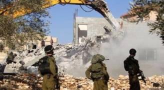 الاحتلال يهدم منزلين ويُرجئ هدم ثالث في القدس