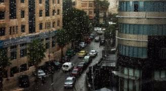 الأمطار تتساقط على إربد وعمان..صور