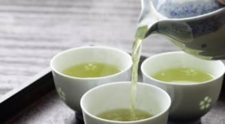 الطريقة الصحيحة لاعداد الشاي.. فيديو