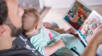 كيف تؤثر التربية على سلوك ونطق الطفل.. فيديو