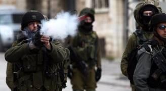 اختناقات بهجوم للاحتلال على مدارس بالخليل